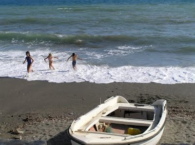 In Fragocastello all beaches are friendly and safe for the children